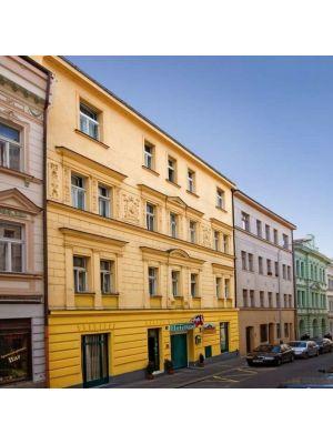 Apartment House Zizkov - Praag