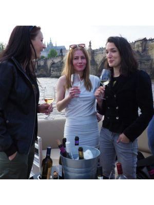 Wijnboot Praag inclusief wijnproeverij