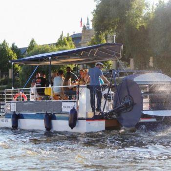 Prosecco- of bierfietsboot Praag